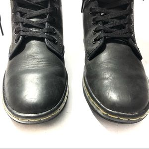 Dr. Martens Shoes - New Dr. Martens• Shoreditch Lace Up Boot• 6